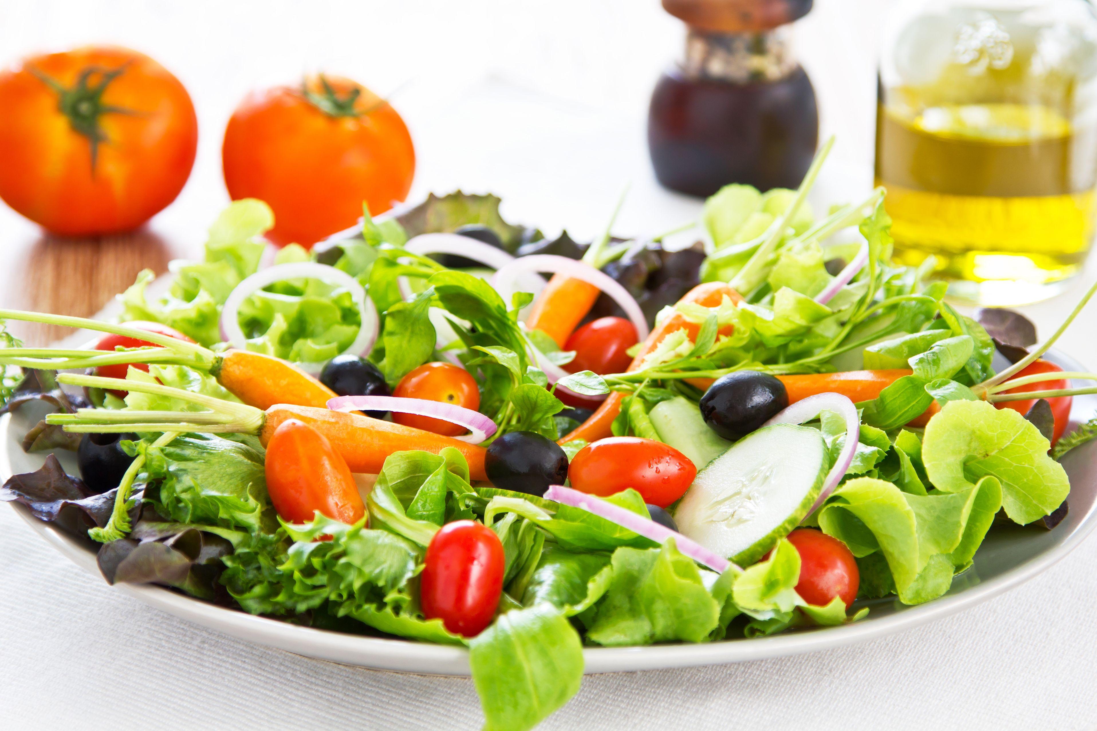 Taller coma sano coma ensaladas musac for Comidas frescas